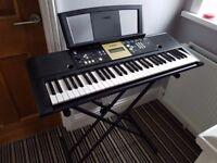 Yamaha Portable Keyboard YPT-220 & stand