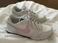 Nike MD Runner 2 Size 6