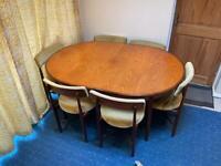 G Plan Mid Century Extending Teak Dining Table & 6 Matching G plan Dining Chairs