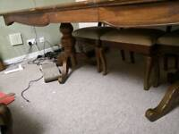 Oak dining table large with pedestal legs great condition