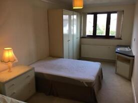 Long room to let in Pen Hill, Poole