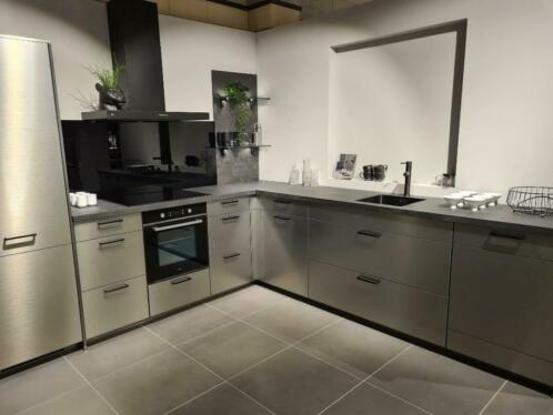 Am002 Een Echte Inox Keuken Met Werkhoogte Van Circa 100 Cm Keuken Complete Keukens Marktplaats Nl
