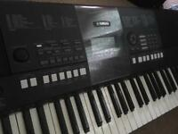Yamaha PSR - E423 with Stagg Keyboard Stand