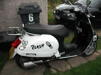 VESPA 244CC GTS 2005 NEW MOT 15TH SEP 2017 NEW BATTERY NICE CLEAN BIKE