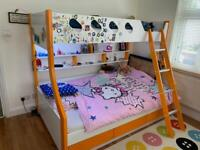 Super cool bunk bed with mattresses - NOT TO BE MISSED