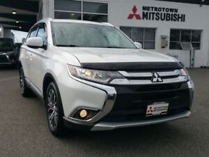2016 Mitsubishi Outlander ES Touring; 4WD; Local & No accidents!