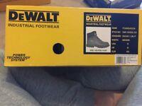 BRAND NEW Dewalt size 8 work boots
