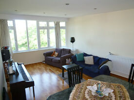 Two bedroom flat to rent in Richmond