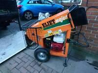 Wood chipper / shredder for sale