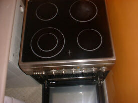 BEUMATIC ELECTRIC COOKER  WITH -CERAMIC TOP