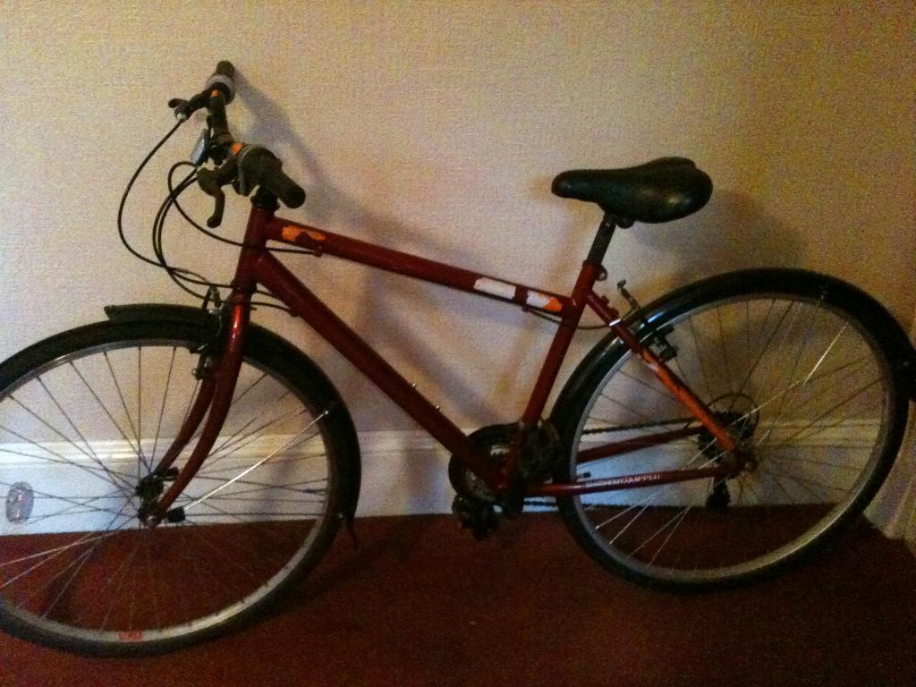 Medium Hybrid Bike For Sale Trax T700 Mudguards And Lock