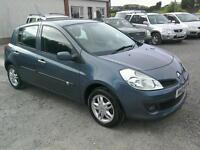 08 Renault Clio 1.2 5 door only 33000 mls (can be viewed inside anytime)