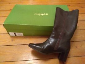 Brown leather boots. Size 5. Womans.