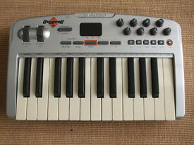 M Audio Oxygen 8 V2 USB Midi Keyboard / Controller. Excellent condition
