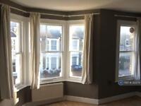 2 bedroom flat in Bloemfontein Road, London, W12 (2 bed)