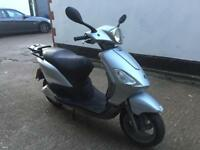 FULLY WORKING 2006 Piaggio Fly 50cc learner legal 50 cc 2 Stroke scooter with mot.