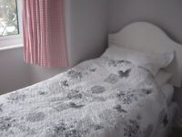 2 single quilted bedspreads grey and white reversible