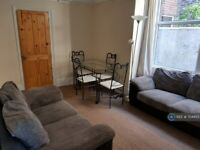 5 bedroom house in Francis Avenue, Southsea, PO4 (5 bed) (#704455)