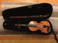 Violin 1/2 size in fantastic condition, also electric and other full size available