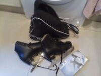 Risport figure ice skates size 3.5 ( 240) in good condition