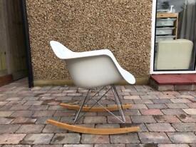 Vitra Sedia A Dondolo Eames Plastic Armchair Rar : Vitra schaukelstuhl rar eames plastic armchair h ls of vitra