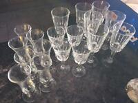Mixed lot of 18 sherry glasses