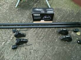 Thule lockable roof rack system