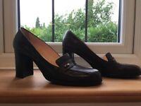Women's smart brogue shoes size 6