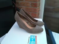 Size 8, 7, 6 & 4 Shoes Boots and Sandals for Sale
