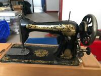 Singer vintage sewing machine (Reduced)