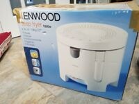 Kenwood Deep Fat Fryer DF310 - hardly used - spare filter material