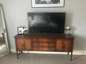 Beautiful mahogany sideboard