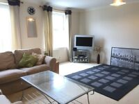 Small Room In Modern 4 Bed Town House, Canton.