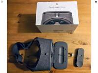 Google Daydream VR Headset & Remote