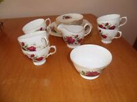 Pretty Bone China Rose Patterned Gainsborough 18 Piece Tea Set in Excellent Condition