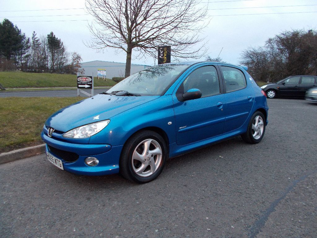 peugeot 206 sport 2 0 hdi diesel 5 door stunning blue 2005. Black Bedroom Furniture Sets. Home Design Ideas