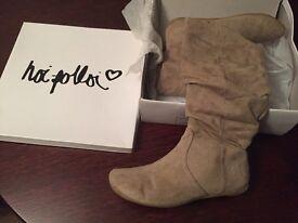 Hoi Polloi women's boots - size 3 - beige colour