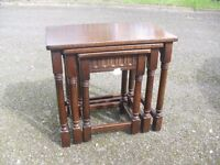 Quality Oak Nest Of 3 Side Tables