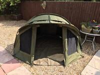 Trakker armo v3 bivvy and wrap