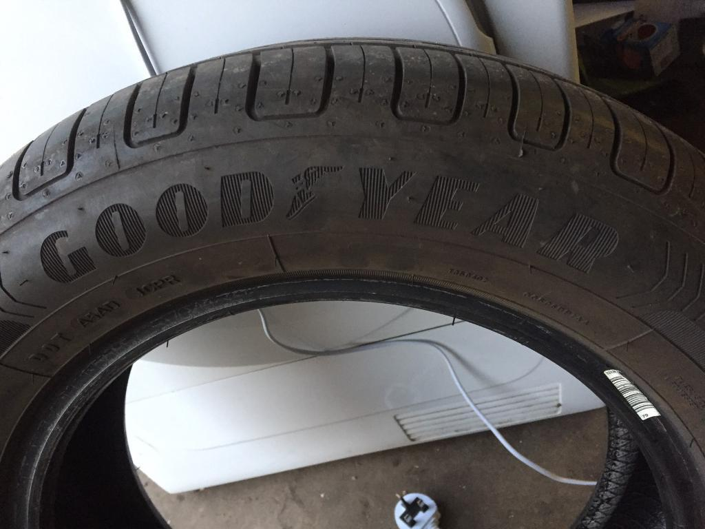 185 65 15 Goodyear efficient grip 7mm