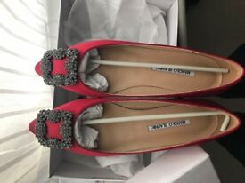 Manolo Blahnik Shoes Stunning Red Silk Slippers. Size 38. Brand new.