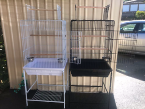 BRAND NEW Open Roof Large Cage with metal bowls on trolley; eftpo