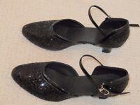 Size 4 Ladies Dance Shoes