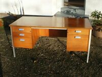 Large desk with 5 drawers