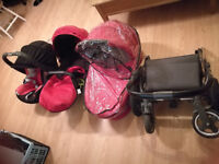 Oyster travel system in excellent condition with great price