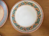 6 Villeroy Boch plates . As new - never used.