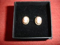 Pretty 9ct Gold Cameo Earrings
