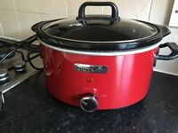 Red crockpot slow cooker