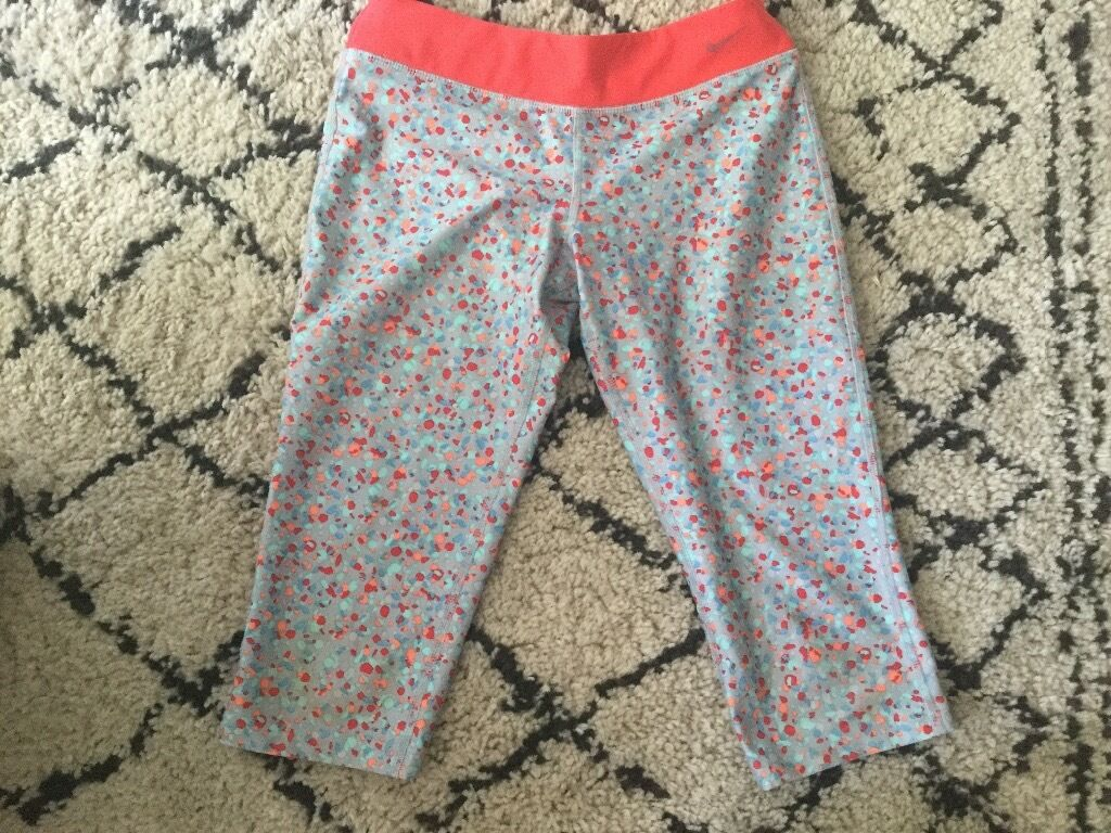 Completely as new, Nike womens sports leggingsin Twickenham, LondonGumtree - These are in perfect condition, never worn Nike drip fit short leggings. Cost £40
