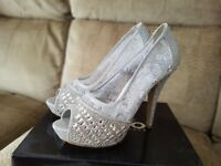 Size 6 sparkle shoes